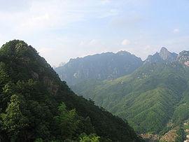Vy från berget Jǐuhuá Shān i Anhui.