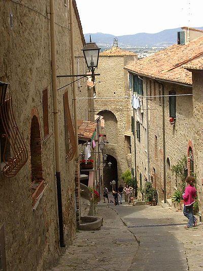 Castiglione della Pescaia, Old Town.jpg