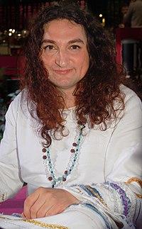 Di Leva sjunger på Sommarkrysset i Stockholm 2008.