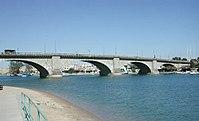 London Bridge, Lake Havasu, Arizona, 2003.jpg